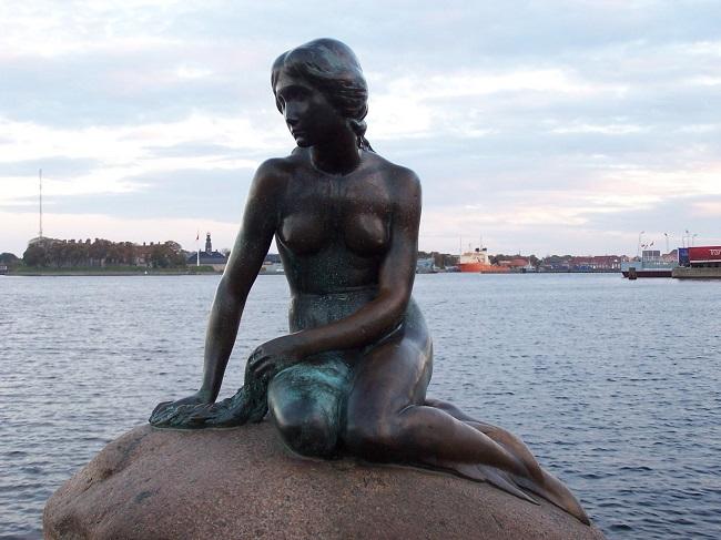 the-little-mermaid-copenhagen-the-little-mermaid-andersen-2763876-1656-1242